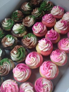 Camouflage cupcakes by StacyCakes.. Www.facebook.com/StacyCakes1 Pink Camo Birthday, Pink Camo Party, Army Birthday Parties, Hunting Birthday, Birthday Ideas, Pink Camo Wedding, 20th Birthday, Pink Camo Cupcakes, Camouflage Cupcakes