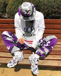 urban mens fashion that looks fabulous! Dope Fashion, Urban Fashion, Sneakers Fashion, Mens Fashion, Swag Fashion, Looks Pinterest, Hypebeast Outfit, Vaporwave Fashion, Outfits Hombre