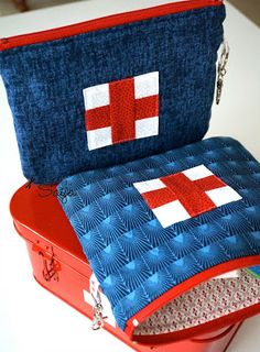 First Aid bags Purse Wallet, Pouch, Pattern Design, Shoulder Bag, Quilts, Purses, Sewing, Cute, Crafts