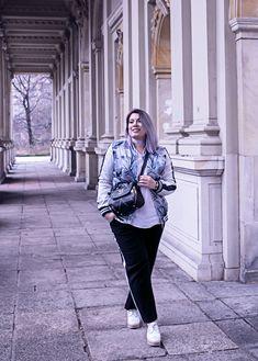 Berlin Fashionweek Outfit mit Happy Size | Stylish in Stripes