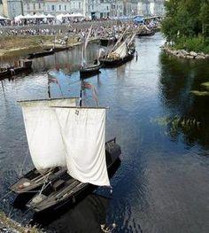 Les bateaux de La Matelote bréhémontaise en vedette à la fête de la batellerie de Châtellerault.