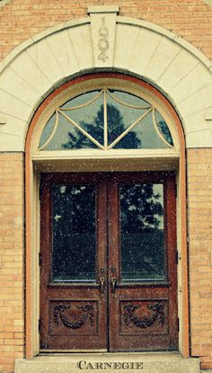 Front door to the old Carnegie Library in Pioneer Park, Lewiston, Idaho