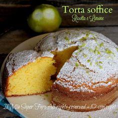 Torta ricotta e limone ricetta facile da provare!Una torta alla ricotta con scorzette di limone sofficissima e golosa.E' un dolce con ricotta che non delude Sweet Recipes, Cake Recipes, Dessert Recipes, Cupcakes, Cake Cookies, Yogurt Cake, Plum Cake, Italian Desserts, Almond Cakes