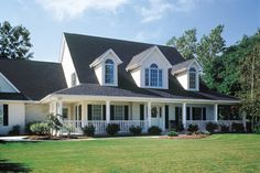 Country Style House Plan - 4 Beds 3.5 Baths 3037 Sq/Ft Plan #929-22 Exterior - Front Elevation - Houseplans.com