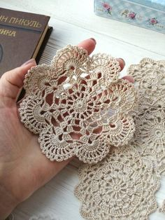 Transcendent Crochet a Solid Granny Square Ideas. Inconceivable Crochet a Solid Granny Square Ideas. Free Crochet Doily Patterns, Crochet Coaster Pattern, Crochet Circles, Crochet Motifs, Crochet Round, Crochet Home, Thread Crochet, Filet Crochet, Love Crochet