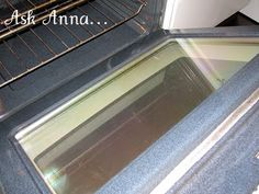 Cleaning the inside of the oven door