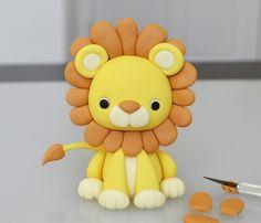 Львенок из мастики