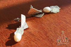 em se falando de pérolas... BRINCO PÉROLAS MARINHAS #161 em prata texturizada com renda pérolas e água marinha.
