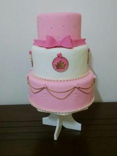 Bolo princesa #boloprincesa #princess #boloprincesas  #bolorosaedourado