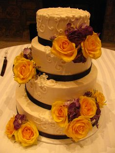 Fresh Flowers arranged on a wedding cake