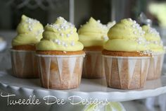Tweedle Dee Designs: baking - Vanilla Lemon Cupcakes