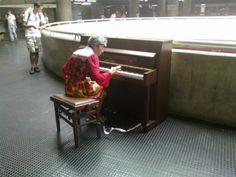 Piano na estação Sé. #metrosp #piano #subway