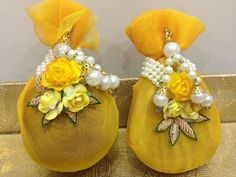 Diwali Decorations, Indian Wedding Decorations, Festival Decorations, Flower Decorations, Wedding Gift Wrapping, Creative Gift Wrapping, Coconut Decoration, Trousseau Packing, Gift Wraping