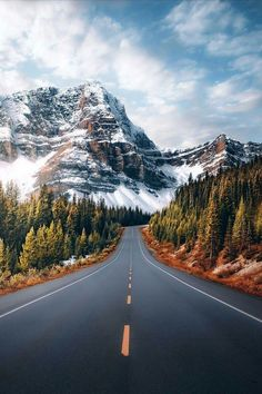 Impressive And Beautiful Roads Pictures Beautiful Roads, Beautiful Landscapes, Beautiful World, Cool Landscapes, Beautiful Places, Beautiful Pictures, Landscape Photos, Landscape Photography, Nature Photography