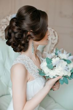 20 Most Romantic Bridal Updos Wedding Hairstyles to Inspire Your Big Day (hairstyles for weddings bridesmaid vintage) Romantic Bridal Updos, Romantic Wedding Hair, Hairdo Wedding, Romantic Hairstyles, Fancy Hairstyles, Wedding Hair And Makeup, Bride Hairstyles, Bridal Hair, Hairstyle Ideas