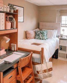 Dorm Room Layouts, Dorm Room Designs, Room Design Bedroom, Room Ideas Bedroom, College Bedroom Decor, College Dorm Rooms, Cozy Dorm Room, Dorm Ideas, My New Room