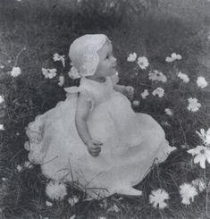Püppchen by Sabine Weiss Sabine Weiss, Child Smile, Camera Obscura, Global Art, Art Market, Garden Sculpture, Past, Fine Art, Shapes