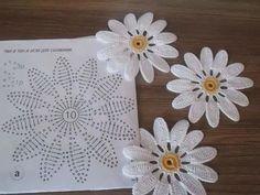 Crochet Flower Patterns Her Diy Crochet Flowers, Crochet Sunflower, Diy Crafts Crochet, Crochet Daisy, Crochet Flower Tutorial, Crochet Leaves, Crochet Motifs, Crochet Flower Patterns, Doily Patterns