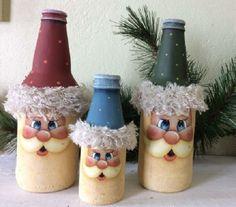 Resultado de imagem para how to fabric decoupage wine bottle Christmas Crafts For Adults, Christmas Art, Holiday Crafts, Christmas Decorations, Christmas Ornaments, Beautiful Christmas, Glass Bottle Crafts, Wine Bottle Art, Painted Wine Bottles