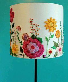 bordado mexicano no abajur - Steph World Mexican Embroidery, Crewel Embroidery, Ribbon Embroidery, Cross Stitch Embroidery, Embroidery Patterns, Art Patterns, Japanese Embroidery, Embroidered Flowers, Embroidered Pillows
