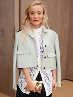 Kate Foley wears the Crisp Packet clutch at London Fashion Week Anya Hindmarch, Celebrity Look, Street Style, Blazer, Celebrities, Coat, How To Wear, Jackets, Outfits