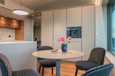 Singelfamily house Built: 2016 Architect: Marita Hamre Kitchen: boform / Kielland AS Furniture: Kielland AS Bespoke Kitchens, House Built, Kitchen Design, Appliances, Espresso Machine, Building, Mixer, Table, Warm
