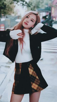 BLACKPINK (블랙핑크) consists of 4 members: Jisoo, Jennie, Rosé, and Lisa. On October BLACKPINK has officially signed with the U. Blackpink Fashion, Korean Fashion, Fashion Outfits, Foto Rose, Square Two, Black Pink Kpop, Black Pink Rose, Rose Bonbon, Blackpink Photos