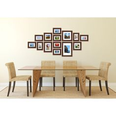 Fotolijsten muur bestaande uit 14 fotolijsten. Compleet met ophangtemplate voor een strak resultaat. Kleur: Bruin