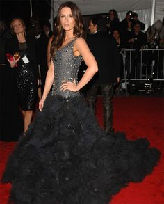 Kate Beckinsale in Marchesa, 2009