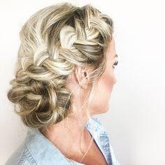 Saturday fave  Bridesmaid hair #blohautestyle