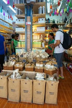 Shopping Chatuchak Market: the Ultimate Photo Guide to Bangkok's Best Market - Souvenir Finder Bangkok Travel, Thailand Travel, Healthy Fats, Healthy Choices, Chatuchak Market, Extreme Diet, Vegetable Dishes, Snack Recipes, Marketing