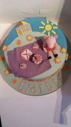 Peppa pig themed cake x