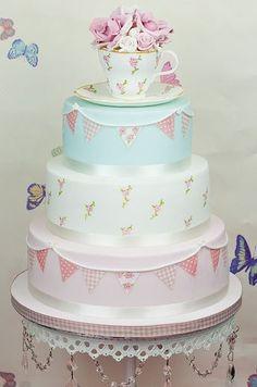 (via Cath Kidston style cake | Cath Kidston and Greengate 'style' | Pinter…)