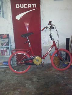 vecchia bici Graziella rimodernata a Ducati