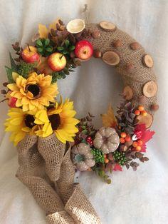 Fall Wreaths, Diy And Crafts, Floral Wreath, Autumn, Halloween, Home Decor, Christmas Decor, Floral Arrangements, Art