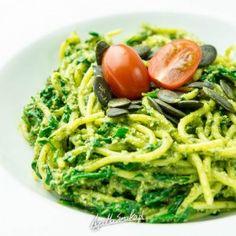 Super spaghetti na super obiad w 15 minut ⋆ AgaMaSmaka - żyj i jedz zdrowo! Pesto, Spaghetti, Ethnic Recipes, Food, Meal, Eten, Meals, Noodle