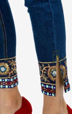 Design by Models - - Kleider - Mode Diy Jeans, Jeans Refashion, Thrift Store Refashion, Clothes Refashion, Refaçonner Jean, Jean Diy, Denim Fashion, Fashion Pants, Boho Fashion