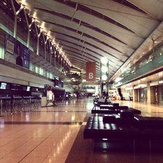 人のいない羽田空港。