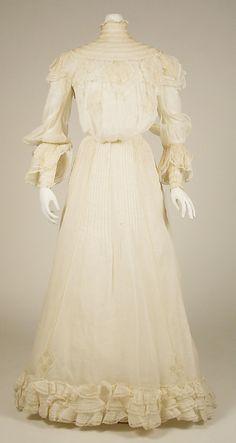 Wedding dress(?)  Date: 1904   Culture: American   Medium: linen, cotton, silk