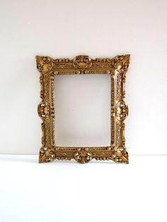 Cadre baroque doré  Cadre décoratif vintage doré en par BrocAndPop
