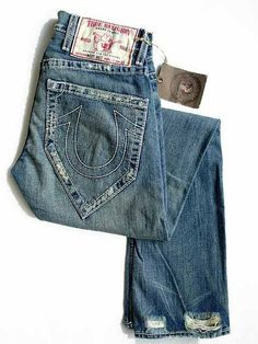 I really want a pair of trues in this color. But not with pockets shaped like that.