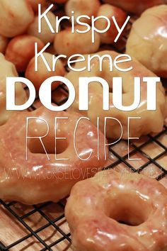 DIY KRISPY KREME DONUTS I love Krispy Kreme so much. No offense dunkin donuts but Krispy Kreme takes the cake (or donut) for the donuts. They are so light and fluffy! I am sad because there are no Krispy Kremes where I live Krispy Kreme Donut Recipe, Krispy Cream Donuts Recipe, Breakfast Recipes, Dessert Recipes, Delicious Desserts, Yummy Food, Kolaci I Torte, Little Lunch, Churros