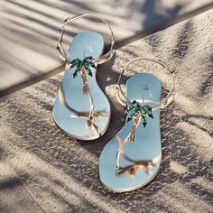 Channeling all things warm sunny and sensual the VENICE BEACH crystal-embellished flats are LOVE Coral Sandals, Shoes Flats Sandals, Bridal Sandals, Leather Sandals, Shoe Boots, Beach Wedding Sandals, Fancy Shoes, Cute Shoes, Giuseppe Zanotti Shoes