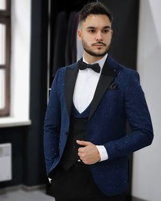 Awesome ceremony tuxedo with sparkels is really eye-catching. Smoking, Blue Tuxedos, Tuxedo For Men, Male Fashion, Midnight Blue, Mens Suits, 3 Piece, Suit Jacket, Eye