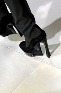 dear god, if you exist, please deliver these jil sander shoes to me in a size 39. thank you.