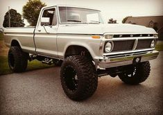 77 ford like the grey paint with black rims I would drive every day looks like fun 1979 Ford Truck, Old Ford Trucks, Old Pickup Trucks, Ford 4x4, New Trucks, Diesel Trucks, Cool Trucks, Lifted Trucks, F100 Truck