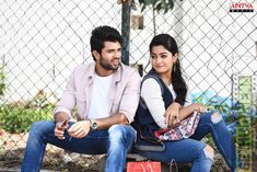Indian movie actor Vijay Deverakonda started his career with the movie Nuvvila in His movie Arjun Reddy in the year 2017 made a blockbuster hit in his career. vijay devarakonda movies list in 2018 Love Couple Images, Cute Couples Photos, Cute Love Couple, Wedding Couple Poses Photography, Couple Photoshoot Poses, Wedding Poses, Couple Shoot, Wedding Photoshoot, White Photography