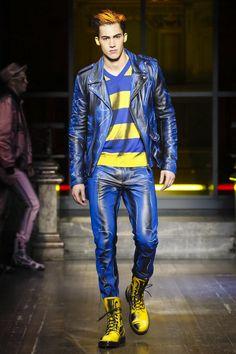 Moschino Menswear Fall Winter 2016 London