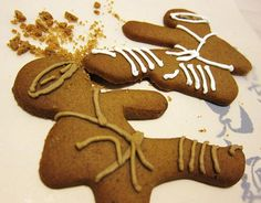 Gingerbread Ninja Cookie Cutters I have these, but this is a cute decorating idea!