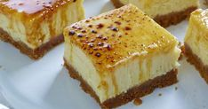 Creme Brulee Cheese Cake Squares Was that a hint Erin? I make both of those very well :) No Bake Desserts, Just Desserts, Delicious Desserts, Dessert Recipes, Yummy Food, Food Cakes, Cupcake Cakes, Cupcakes, Pub